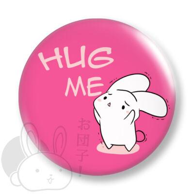 Hug me kitűző 1