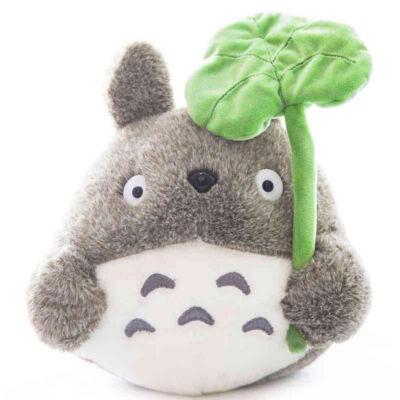Totoro lapulevéllel plüss